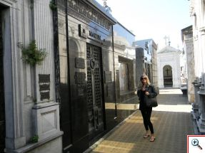 Julie in front of a mausoleum
